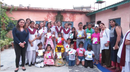 Ecole Community Service- 'Apna Ghar' NGO